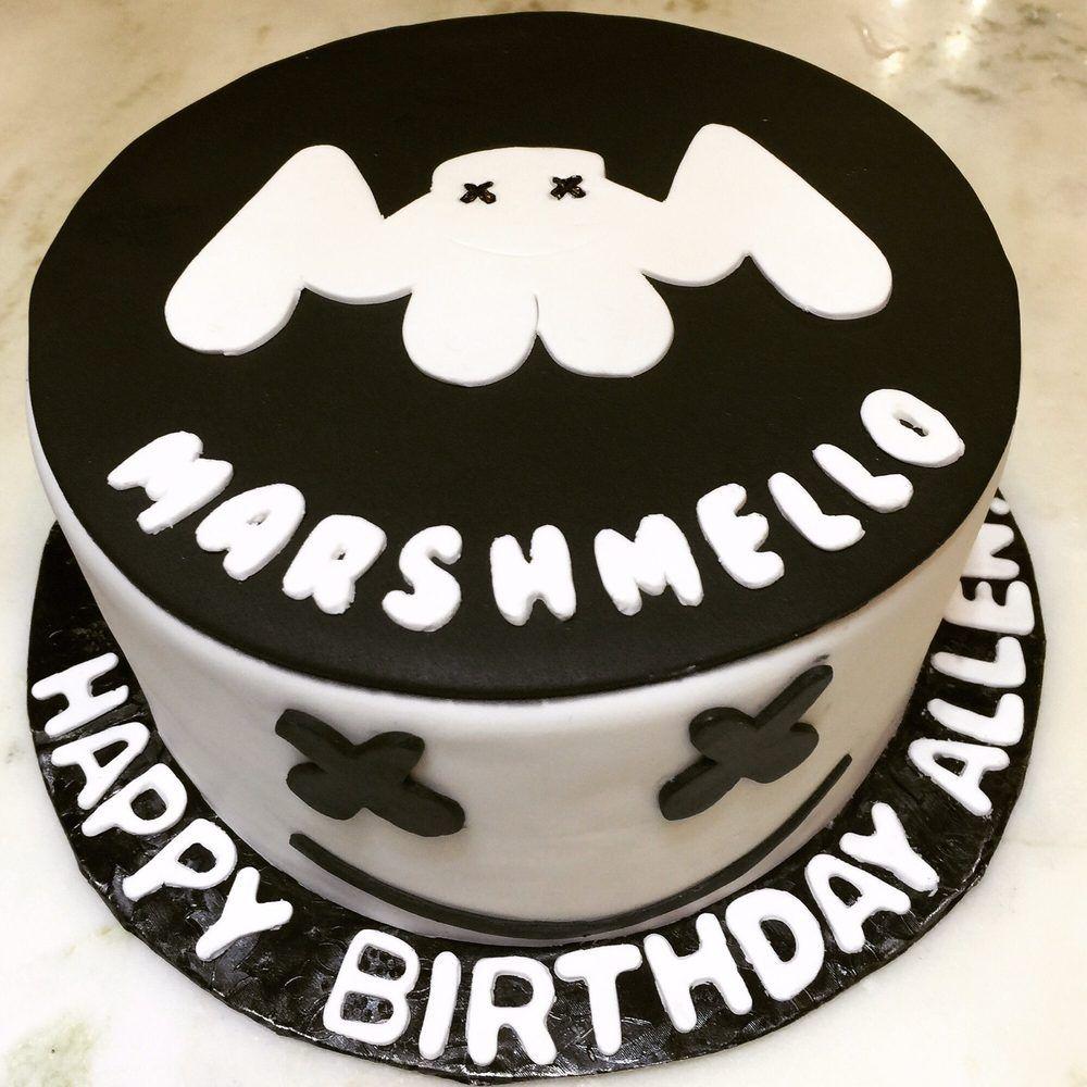 Чем писать на торте в домашних условиях - маршмеллоу - фото