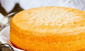 Как правильно хранить испеченный бисквит - фото