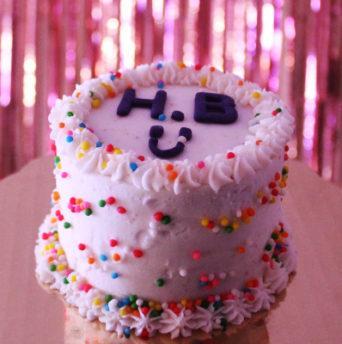 Надпись на торте в домашних условиях - фото