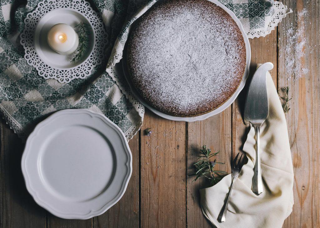 Как сделать бисквит ровным  - фото