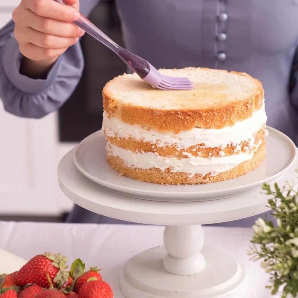 Почему падает бисквит после выпечки - особые случаи - фото