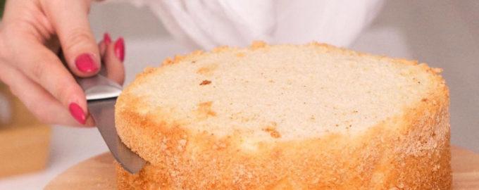 Почему падает бисквит после выпечки - фото