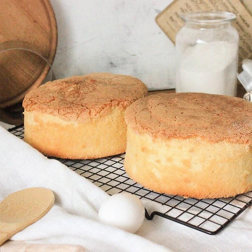 Чем смазать форму для выпечки бисквита в духовке - фото