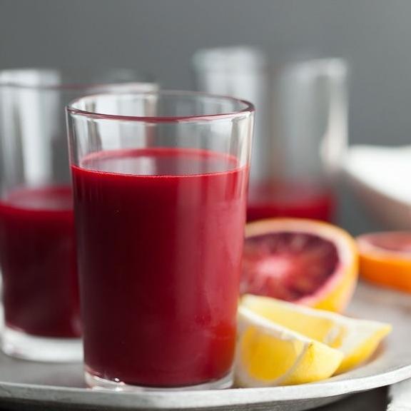 Чем заменить лимонную кислоту - сок кислых ягод - фото