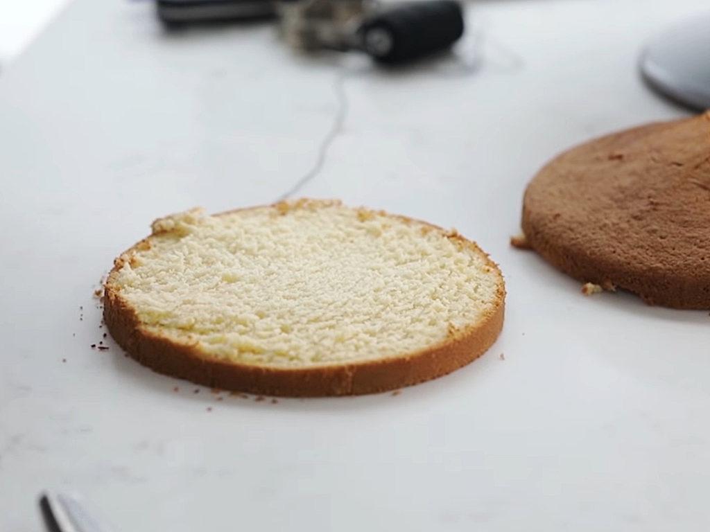 Как ровно разрезать бисквит на коржи ниткой - 6 этап - фото