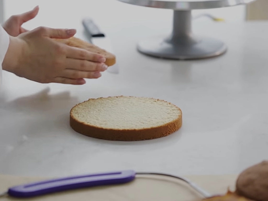 Как ровно разрезать бисквит на коржи струной - 5 этап - фото