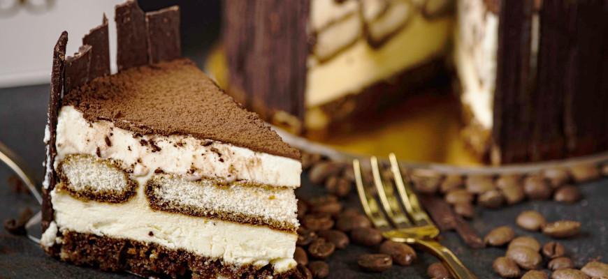 В чем перевезти пирожное и торт - фото