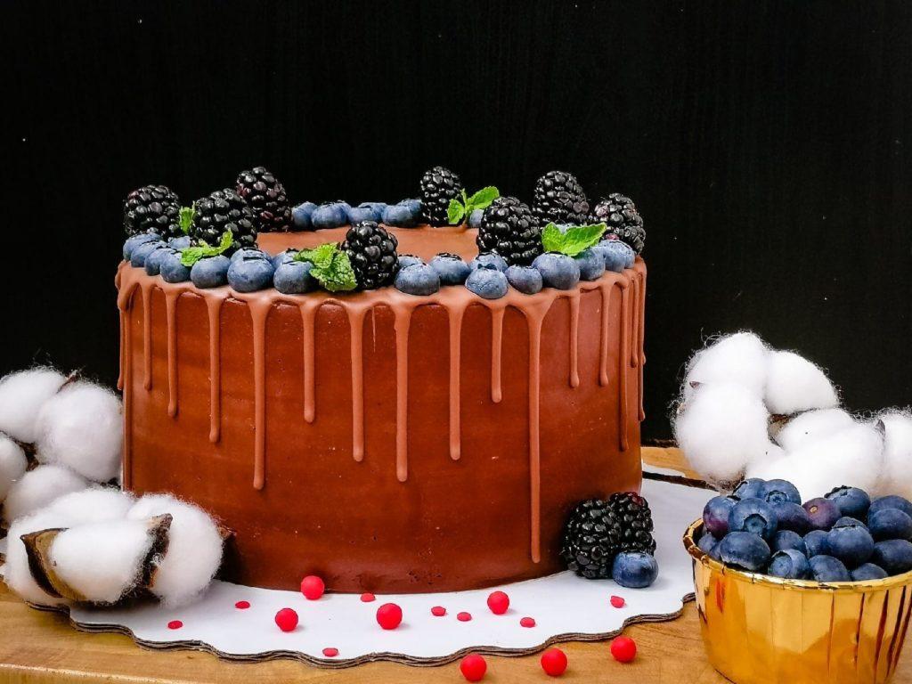 Транспортировка торта клиенту - фото