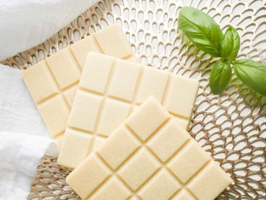 Как правильно хранить шоколад - срок годности белого шоколада - фото
