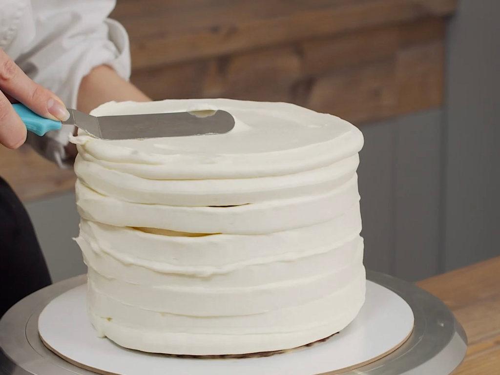 Как выровнять торт кремом чиз - этап 3 - первый способ - фото