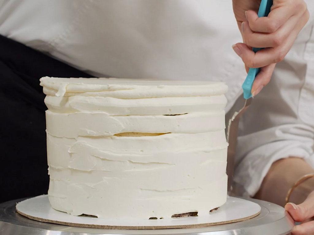 Как выровнять торт кремом чиз - этап 4 - первый способ - фото