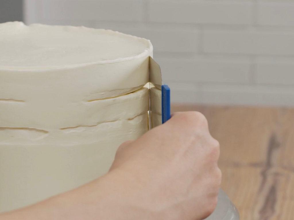 Как выровнять торт кремом чиз - второй способ - фото