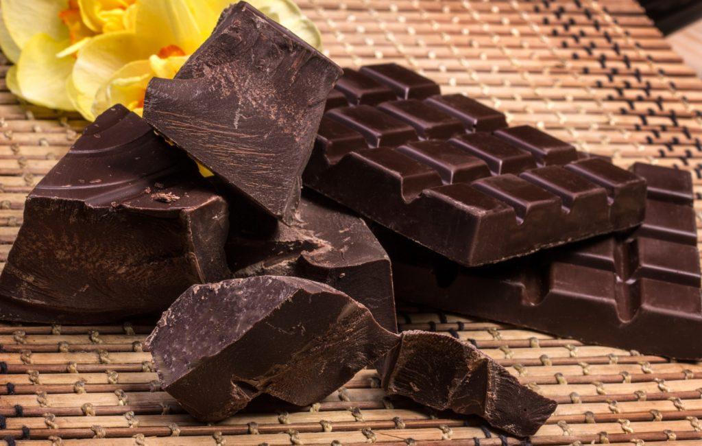 Какие бывают виды шоколада - темный - фото
