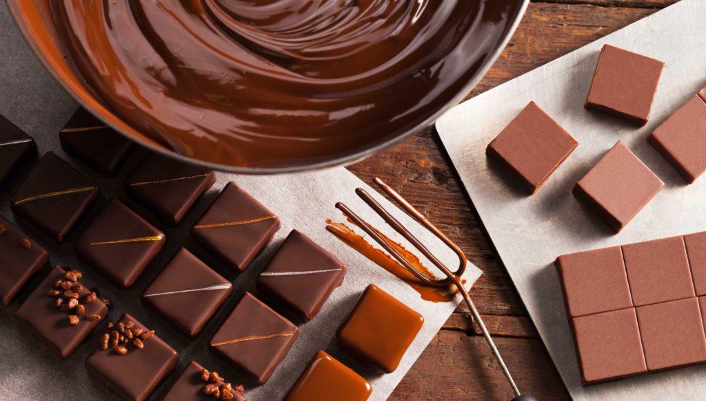 Какие бывают виды шоколада - молочный - фото