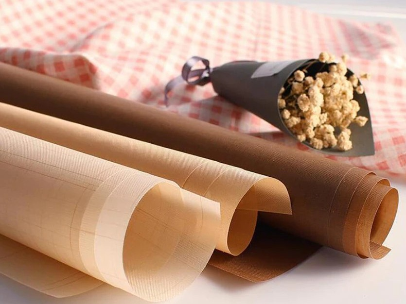 Какой коврик для выпечки лучше - тефлоновый - фото