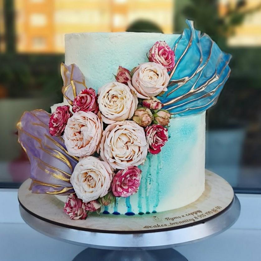 Как использовать кандурин в украшении тортов - окрасить отдельные части - фото