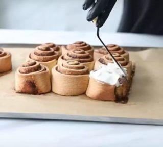 Рецепт булочек «Синнабон» с корицей - фото к рецепту №9