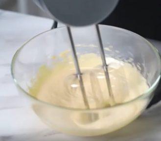 Рецепт бисквита из миндальной муки - фото к рецепту №3