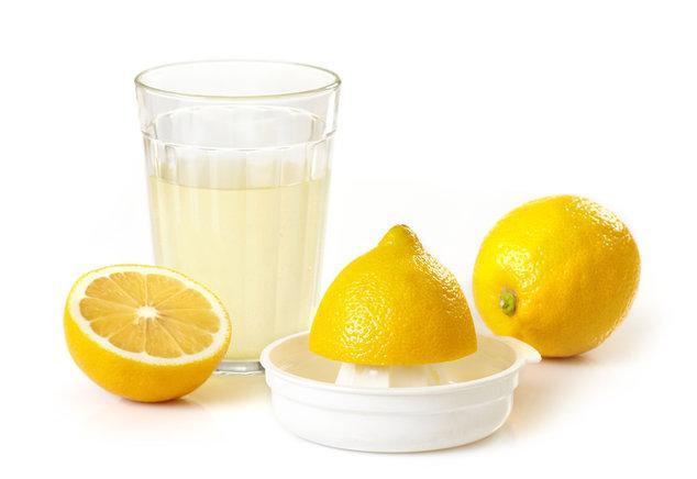 Чем и как отмыть пищевые красители с рук - Соль и лимонный сок - фото