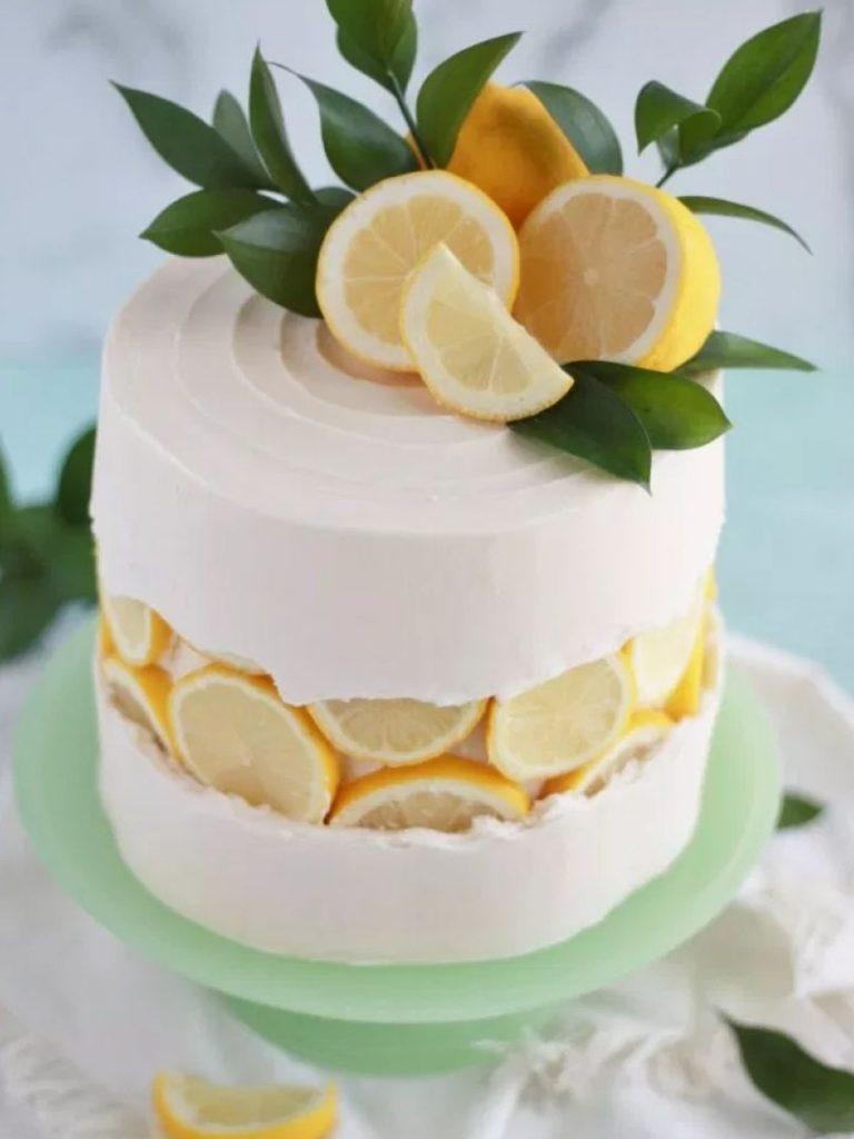 Как украсить торт фруктами  -  23 вариант - фото