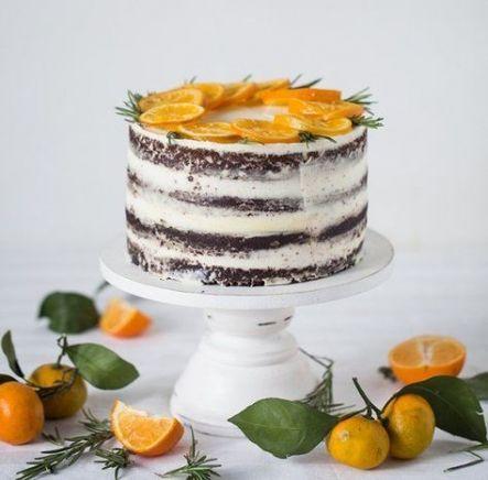 Как украсить торт фруктами  -  22 вариант - фото
