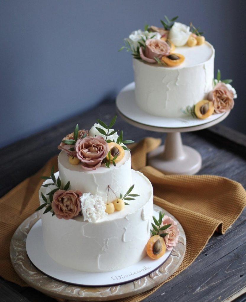 Как украсить торт фруктами - фото