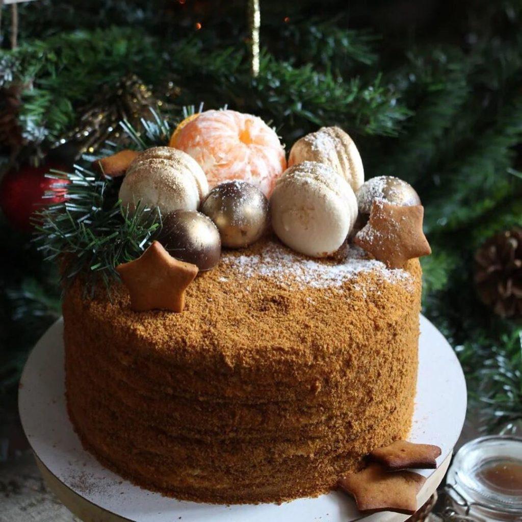 Как украсить торт фруктами  -  20 вариант - фото
