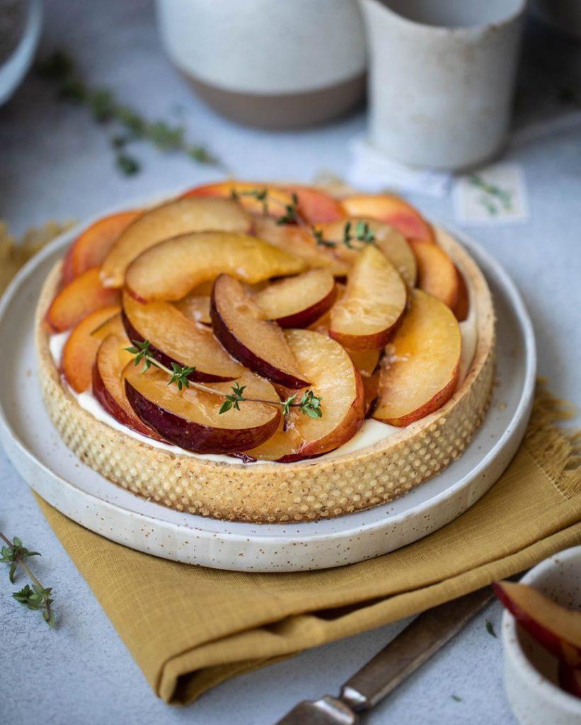 Как украсить торт фруктами  -  5 вариант - фото