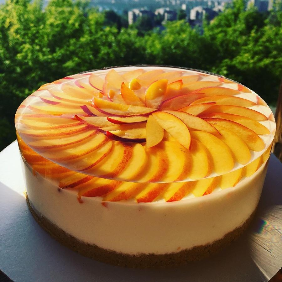 Как украсить торт фруктами  -  6 вариант - фото