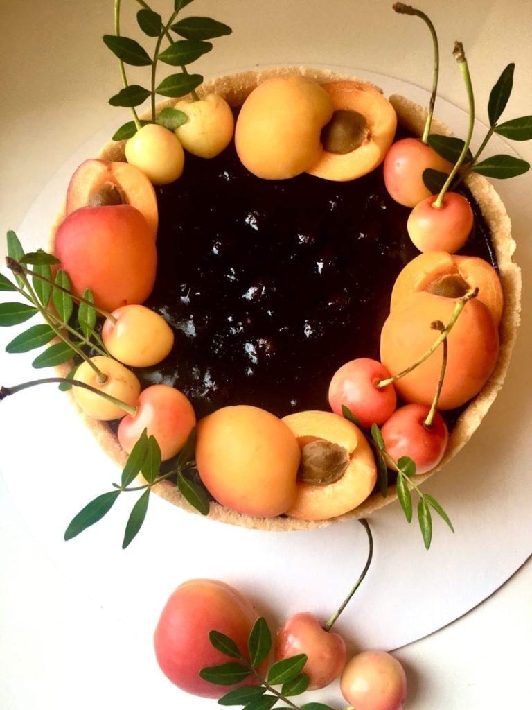 Как украсить торт фруктами  -  9 вариант - фото
