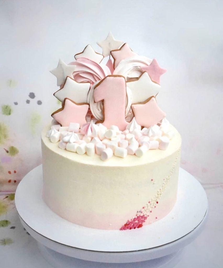 Как украсить торт маршмеллоу - меренга и зефир - фото