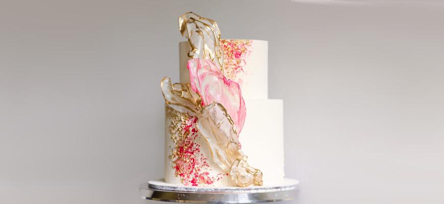 Как приклеить вафельную картинку на торт - фото