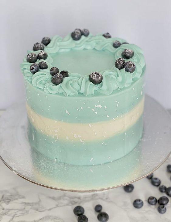 Как украсить торт голубикой - кремовые украшения - фото