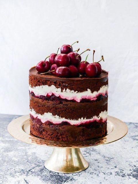 Как украсить торт вишней и черешней - фото