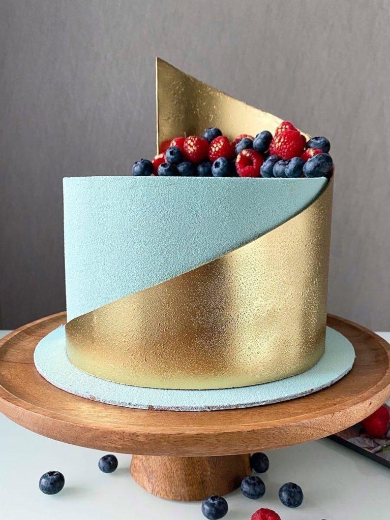 Частые ошибки в декоре торта шоколадом - фото