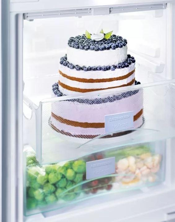 Сроки сколько хранится торт в холодильнике - фото